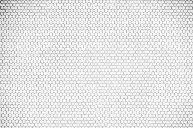 Parede de azulejos brancos