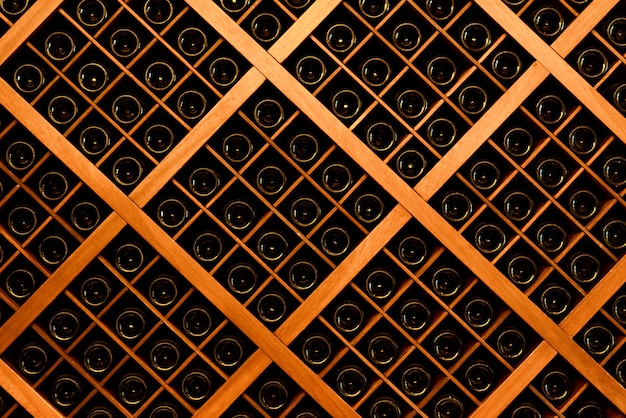 Parede de garrafas de vinho