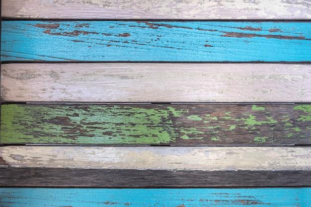 Parede de madeira pintada