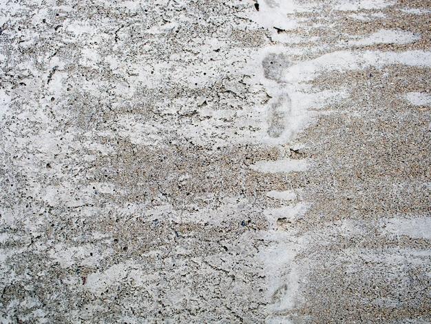 Parede de superfície de concreto sujo velho com manchas de água
