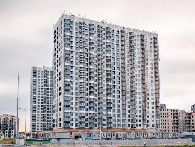 Parede de um prédio em construção são petersburgo