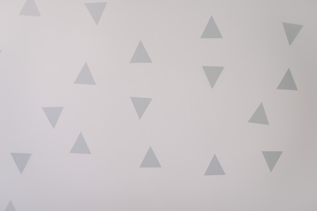 Paredes brancas com decorações em estilo escandinavo