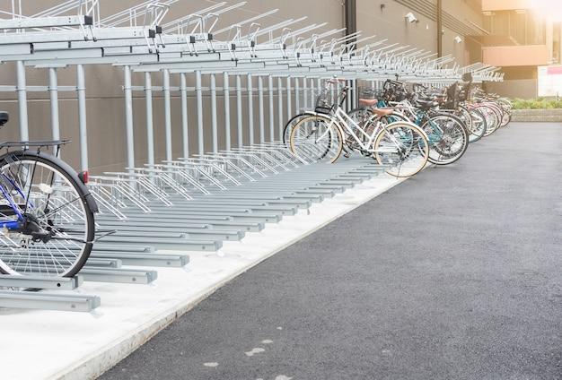 Parque de bicicletas no japão