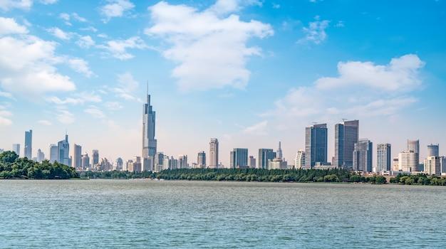 Parque do lago nanjing e horizonte de paisagem arquitetura urbana