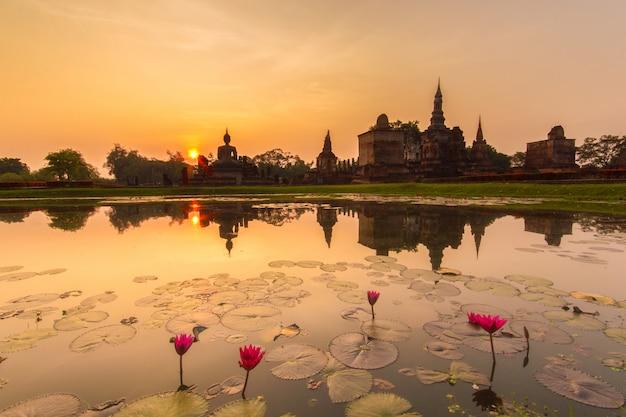 Parque histórico de sukhothai