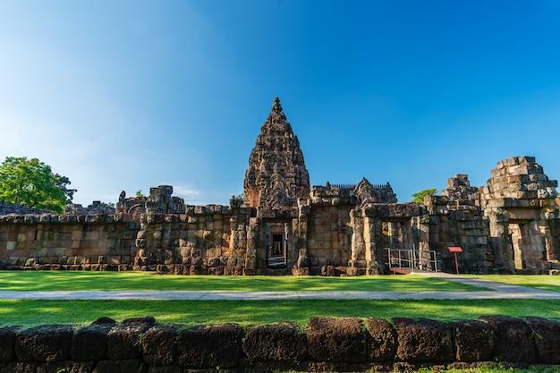 Parque histórico prasat khao phanom rung em buriram, tailândia