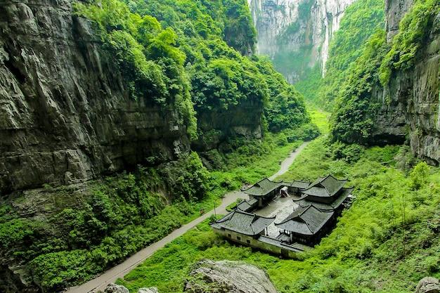 Parque nacional da geologia do cársico de wulong em chongqing, china.