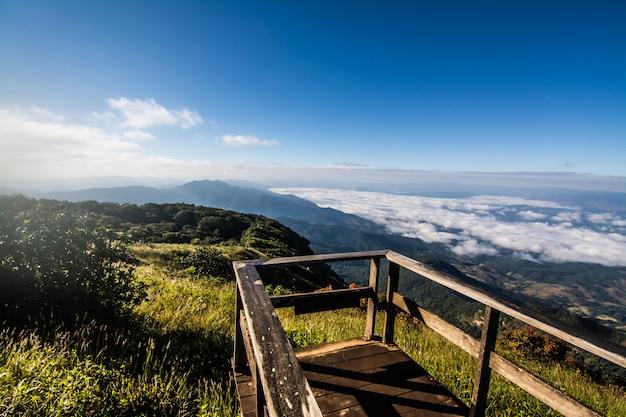 Parque nacional doi inthanon, a montanha mais alta da tailândia
