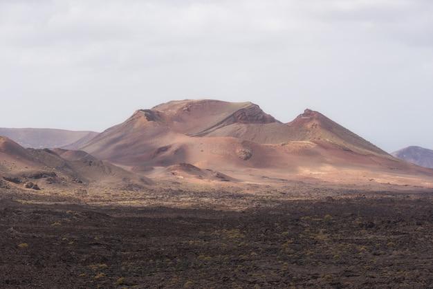 Parque nacional vulcânico de timanfaya em lanzarote, ilhas canárias, espanha.