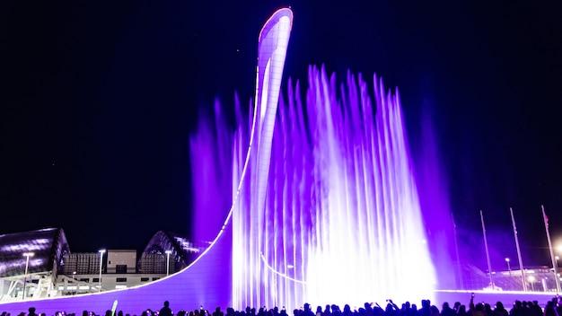 Parque olímpico de sochi. fonte de luz e música, rússia.