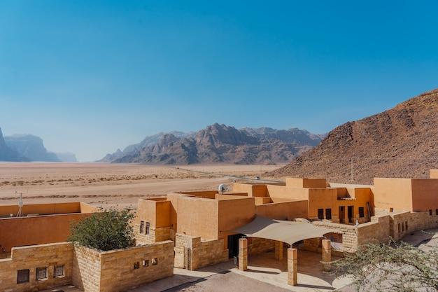 Parte interior do centro de visitantes wadi rum. wadi rum valley