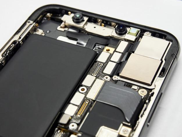 Parte interna do novo smartphone moderno