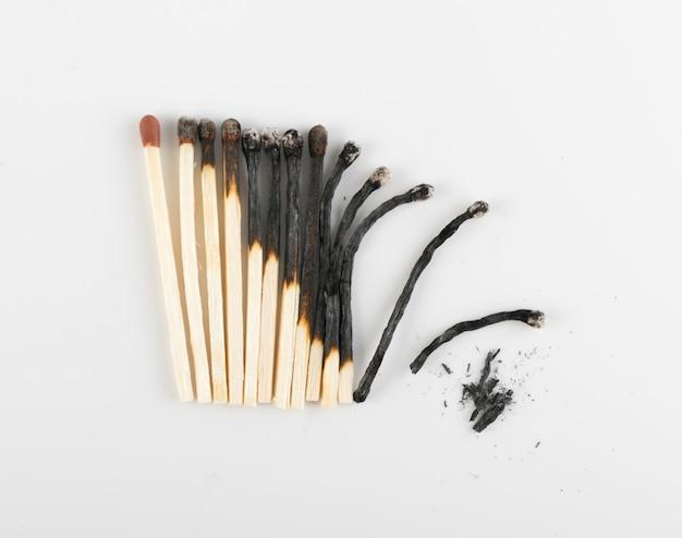 Partidas queimadas ou sticks de correspondência