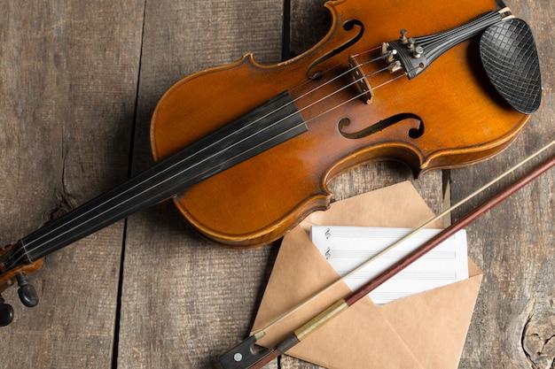 Partituras e violino
