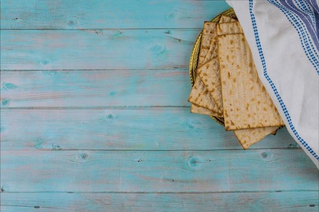 Páscoa judaica com pão ázimo judaico matzoh