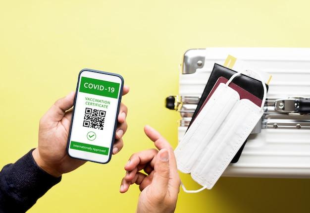 Passaporte de saúde ou vacinação aprovada para viajante com surto de coronavírus