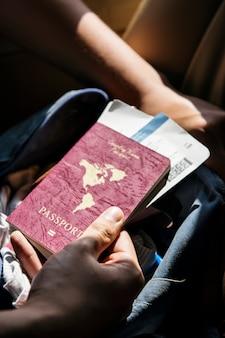 Passaporte e bilhetes de viagem