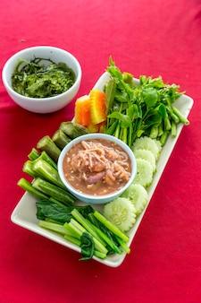 Pasta de camarão fresco