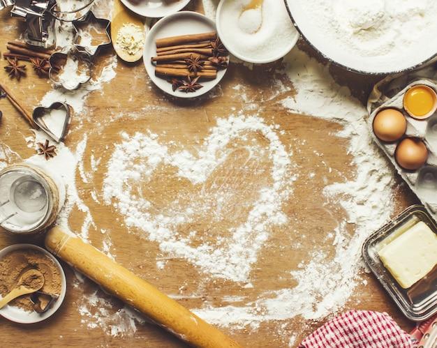 Pastelaria, bolos, cozinhe as próprias mãos. foco seletivo.