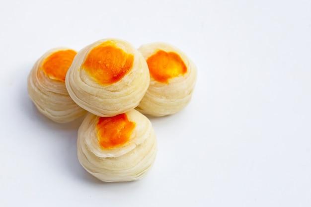 Pastelaria chinesa na superfície branca