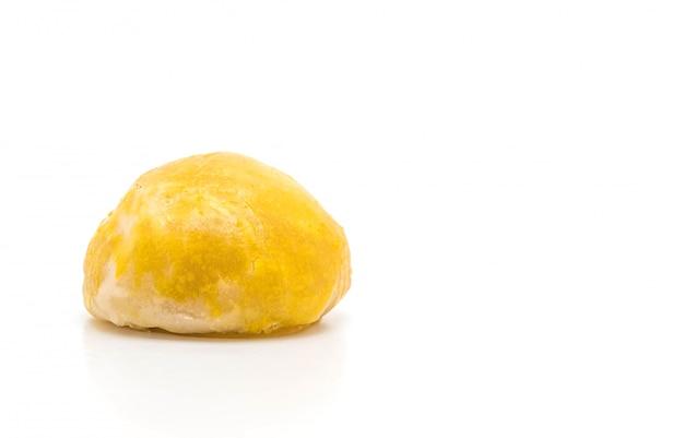 Pastelaria chinesa ou bolo de lua recheada com pasta de feijão mungo e gema de ovo salgada