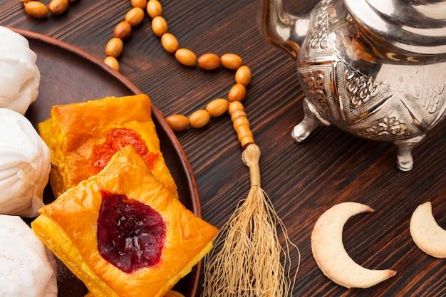 Pastelaria islâmica de ano novo de vista superior