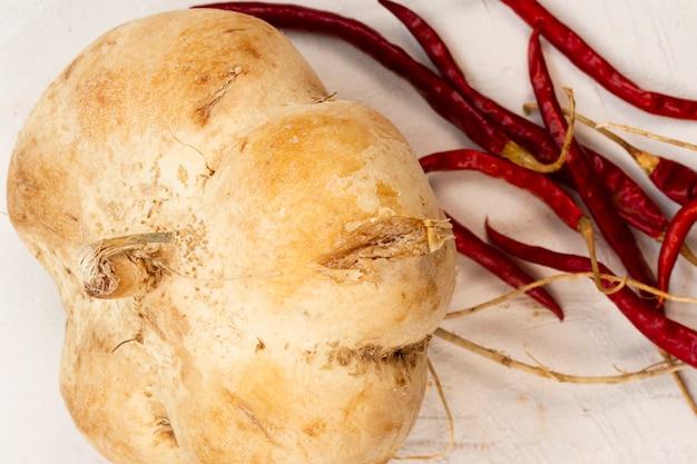 Pastinaga close-up com pimenta