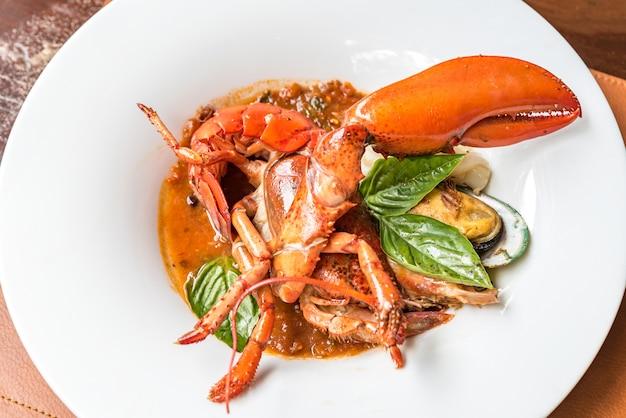 Pastis grelhado metade cauda de lagosta