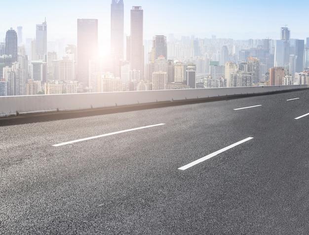 Pavimento de asfalto principal paisagem futurista