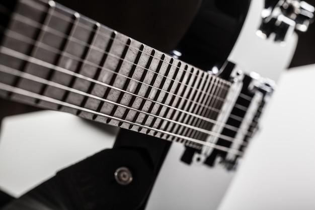 Peças de guitarra elétrica
