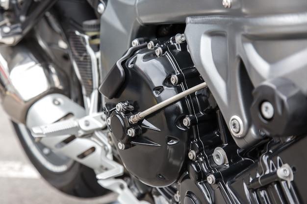 Peças de motor de um close-up da motocicleta de competência.