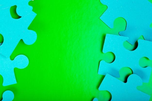 Peças de quebra-cabeça com espaço vazio para texto