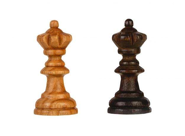 Peças de xadrez de madeira marrom