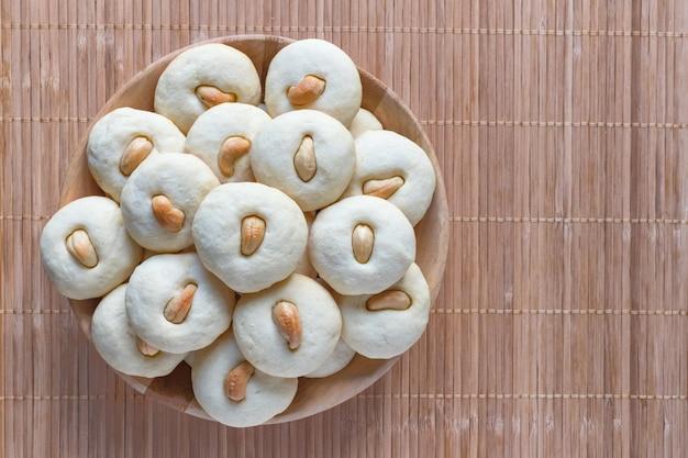 Peda (doce indiano). doces de datas de eid e ramadan - cozinha árabe.