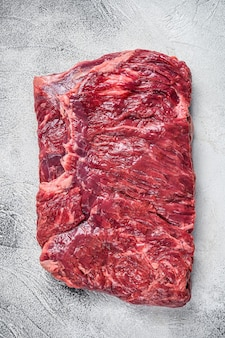 Pedaço de carne de peito bovino de mármore crua