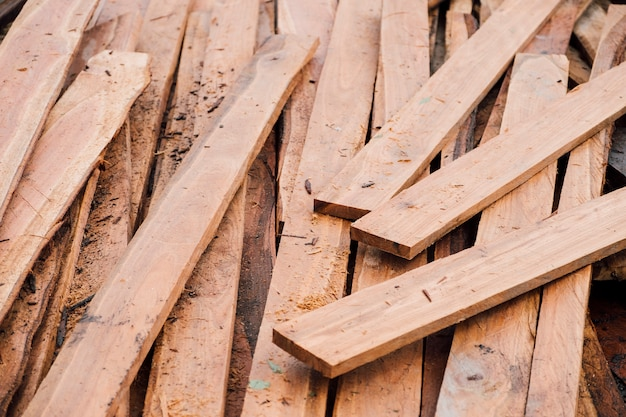 Pedaço de placa de madeira