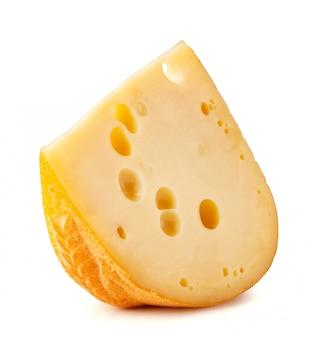 Pedaço de queijo com grandes buracos