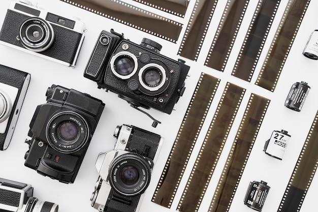 Pedaços de filme perto de câmeras
