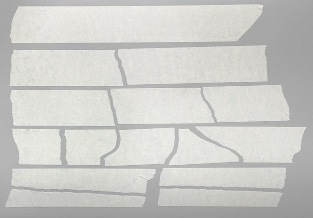 Pedaços de fita adesiva rasgada isolados