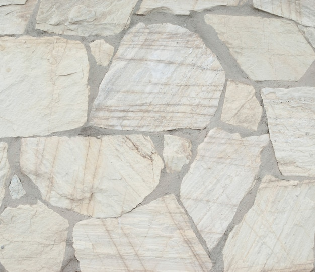 Pedra bloqueia o fundo da parede