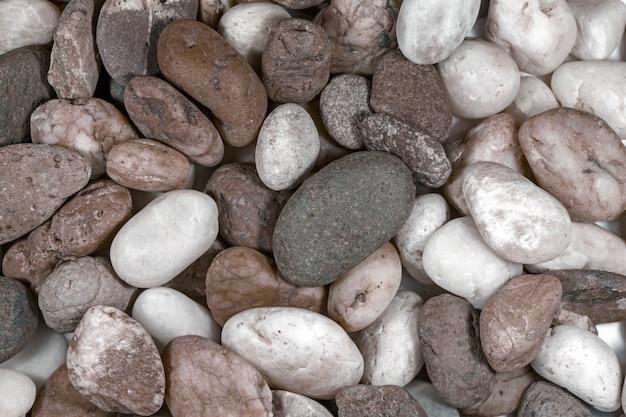 Pedra listrada na natureza