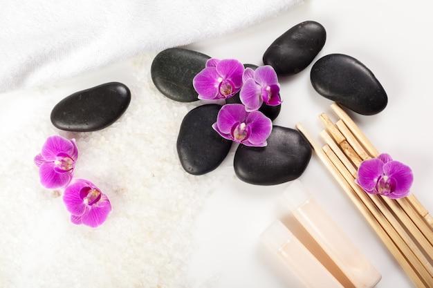 Pedra zen e orquídea, conceito de spa