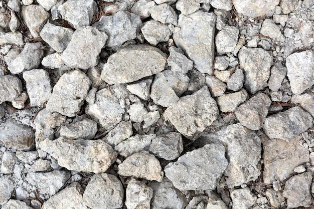 Pedras de diferentes formatos