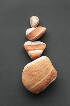 Pedras de diferentes tamanhos