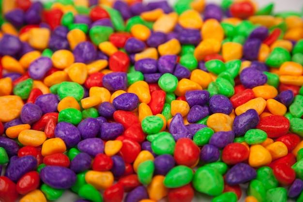 Pedras decorativas coloridas
