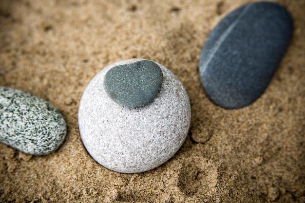 Pedras e areia de perto