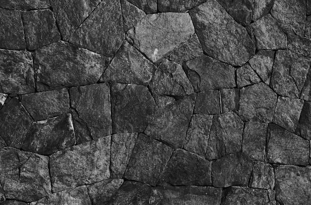 Pedras pretas empilhadas e extraídas da mina stone.jpg