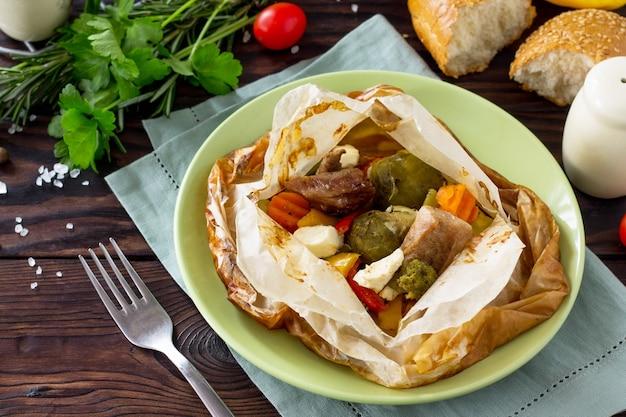 Peitos de frango grelhados com queijo jantar de peru de ação de graças
