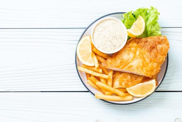 Peixe com batatas fritas - comida não saudável