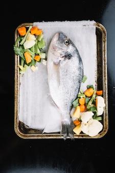 Peixe com vegetais